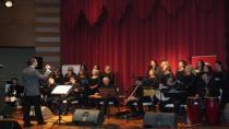 90. yıl etkinliklerinde Neş'e Meclisi'nden keyifli konser