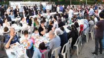 Tuzla Belediyesi, Evliya Çelebi Mahallesi'nde 4 Bin Kişilik Sokak İftarı Düzenledi