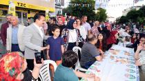 Tuzla Belediyesi, İstasyon Mahallesi'nde 4 Bin Kişilik Sokak İftarı Düzenledi