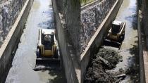 Tuzla Belediyesi, Tuzla Deresi'nde Periyodik Temizliği Sürdürüyor