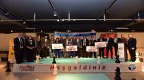 Satranç Turnuvasında Dereceye Girenler Ödüllerini Aldı